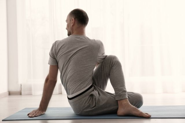 Tips for Men Trying Yoga for the First Time